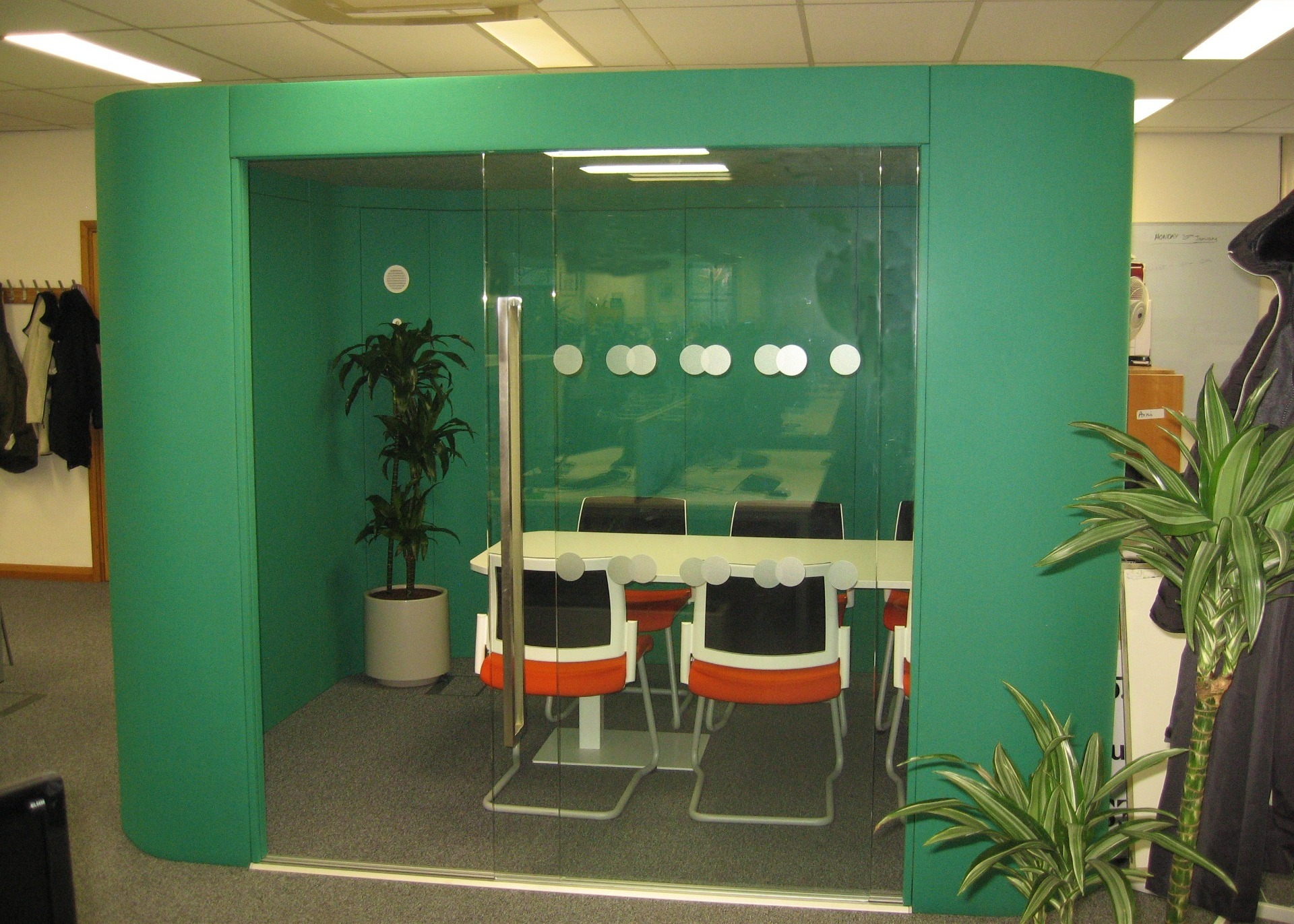 Three Rivers District Council 6 person acoustic meeting pod